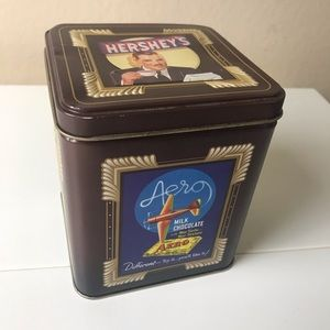 Small vintage Hershey's tin